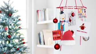 how-to-make-a-christmas-card-hanger-display